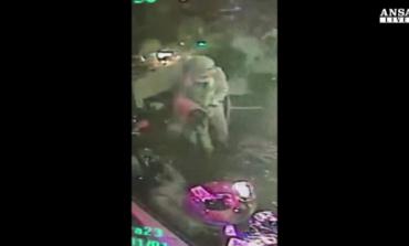 Terrorista spara sulla folla: strage in una discoteca di Istanbul